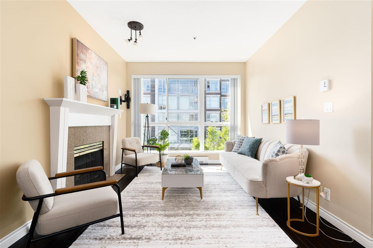 """Main Photo: PH10 511 W 7TH Avenue in Vancouver: Fairview VW Condo for sale in """"Beverly Gardens"""" (Vancouver West)  : MLS®# R2584583"""