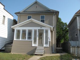 Photo 2: 670 Athabasca Street West in Moose Jaw: Central MJ Residential for sale : MLS®# SK865067