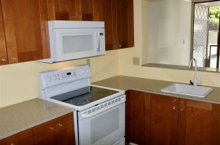 """Photo 2: 404 220 ELEVENTH Street in New Westminster: Uptown NW Condo for sale in """"QUEENS COVE"""" : MLS®# R2552061"""