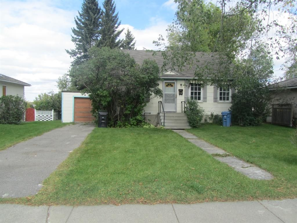 Main Photo: 620 30 Avenue NE in Calgary: Winston Heights/Mountview Detached for sale : MLS®# A1102108