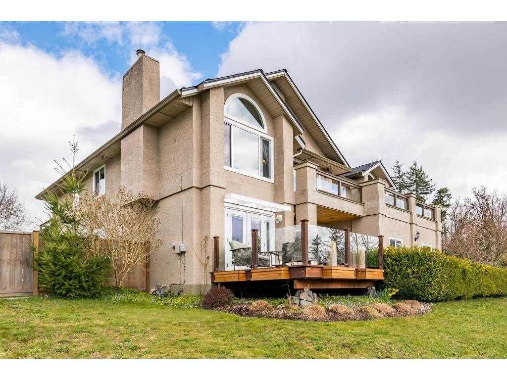 Photo 1: Photos: 16065 77 Avenue in Surrey: Fleetwood Tynehead House for sale : MLS®# R2449375