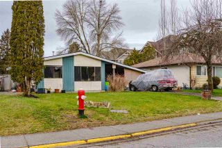 Photo 3: 20147 52 Avenue: House for sale in Langley: MLS®# R2540640