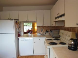 """Photo 3: 2331 MOUNTAIN Highway in North Vancouver: Lynn Valley Townhouse for sale in """"Yorkwood Park"""" : MLS®# V1015049"""
