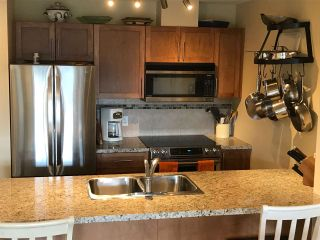 "Photo 5: 416 1211 VILLAGE GREEN Way in Squamish: Downtown SQ Condo for sale in ""Rockcliff"" : MLS®# R2359157"