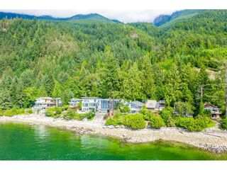 Photo 2: 51 BRUNSWICK BEACH ROAD: Lions Bay House for sale (West Vancouver)  : MLS®# R2514831
