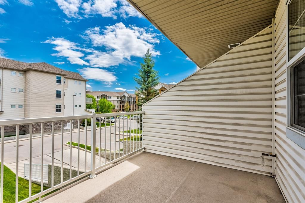 Photo 9: Photos: 204 1000 Applevillage Court SE in Calgary: Applewood Park Apartment for sale : MLS®# A1121312