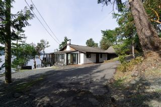 Photo 3: 7130 Mark Lane in Central Saanich: CS Willis Point House for sale : MLS®# 887500