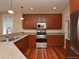 Photo 5: 1965 W Burnside Rd in VICTORIA: VR Hospital House for sale (View Royal)  : MLS®# 701142