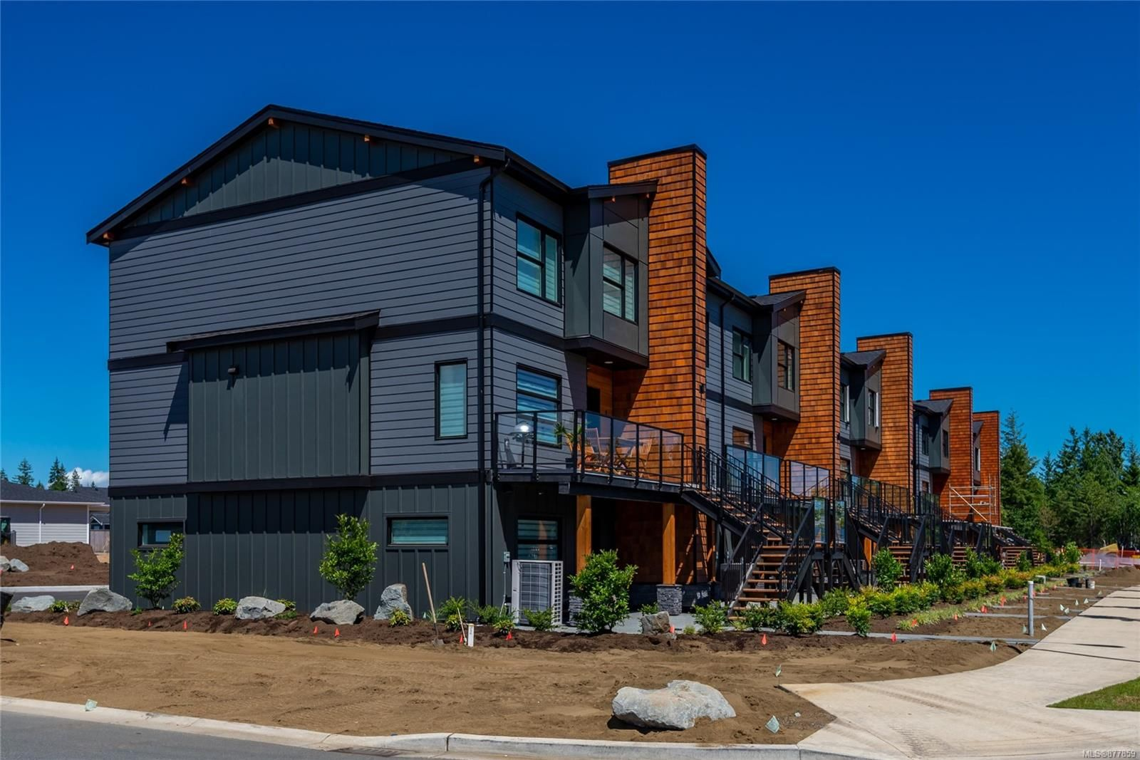 Main Photo: 5 3016 S Alder St in : CR Willow Point Row/Townhouse for sale (Campbell River)  : MLS®# 877859