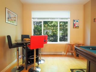 """Photo 4: 44 40632 GOVERNMENT Road in Squamish: Brackendale Townhouse for sale in """"Riverswalk"""" : MLS®# R2488805"""