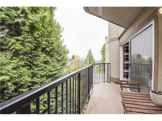 """Photo 12: 307 620 BLACKFORD Street in New Westminster: Uptown NW Condo for sale in """"DEERWOOD COURT"""" : MLS®# V1055259"""