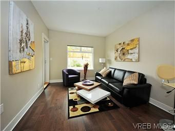 Main Photo: 104 21 Conard St in : VR Hospital Condo for sale (View Royal)  : MLS®# 569617