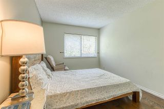 """Photo 15: 2002 10620 150 Street in Surrey: Guildford Townhouse for sale in """"Lincolins"""" (North Surrey)  : MLS®# R2459924"""