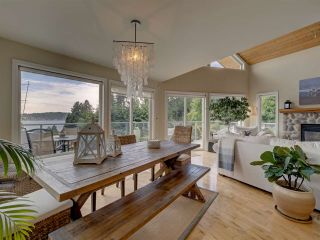 Photo 13: 481 CENTRAL Avenue in Gibsons: Gibsons & Area House for sale (Sunshine Coast)  : MLS®# R2491931