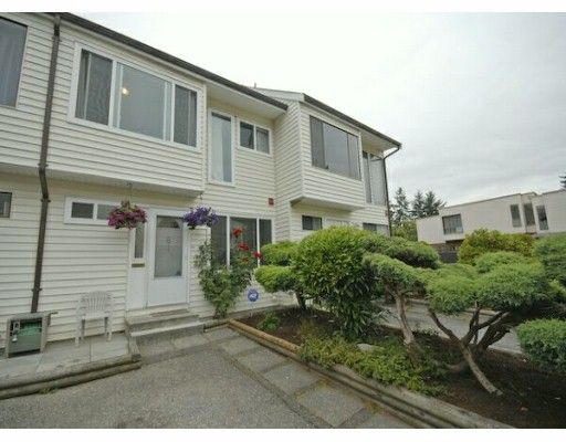 """Main Photo: 61 9386 128TH Street in Surrey: Queen Mary Park Surrey Townhouse for sale in """"Surrey Meadows"""" : MLS®# F2819462"""