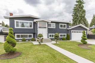 Photo 1: 806 WASCO Street in Coquitlam: Harbour Place House for sale : MLS®# R2187597
