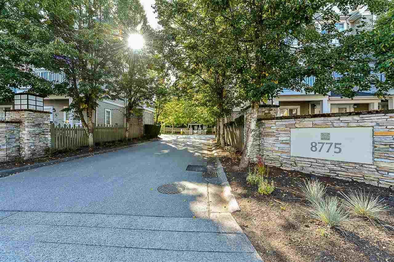 """Main Photo: 45 8775 161 Street in Surrey: Fleetwood Tynehead Townhouse for sale in """"Ballantyn"""" : MLS®# R2378142"""