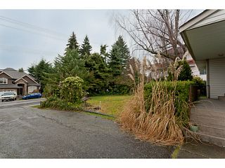 """Photo 6: 375 GUILBY Street in Coquitlam: Coquitlam West House for sale in """"CARIBOO/MAILLARDVILLE"""" : MLS®# V996440"""