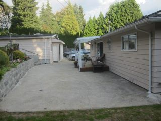 Photo 7: 3322 FAIRLAND COURT in Burnaby North: Government Road Home for sale ()  : MLS®# R2030785
