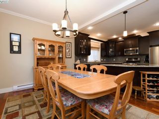 Photo 6: 2182 Stone Gate in VICTORIA: La Bear Mountain House for sale (Langford)  : MLS®# 808396