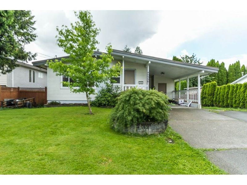 FEATURED LISTING: 45320 CRESCENT Drive Chilliwack