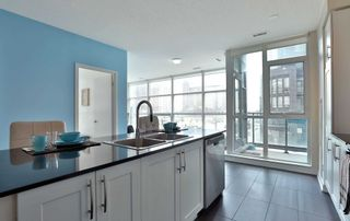 Photo 4: 208 4070 Confederation Parkway in Mississauga: City Centre Condo for sale : MLS®# W4933773