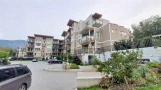 """Photo 4: 312 1150 BAILEY STREET in Squamish: Downtown SQ Condo for sale in """"Parkhouse"""" : MLS®# R2505004"""