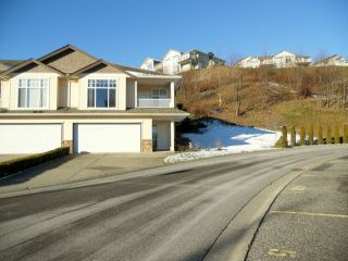 Photo 1: 56 8590 Sunrise Drive in Chilliwack: Townhouse for sale : MLS®# H1300151
