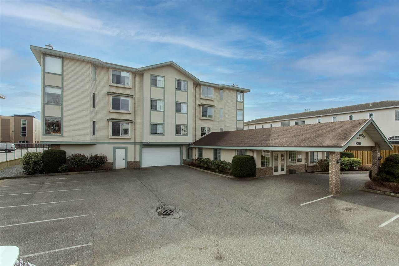 """Main Photo: 107 45660 KNIGHT Road in Chilliwack: Sardis West Vedder Rd Condo for sale in """"Knight Lodge"""" (Sardis)  : MLS®# R2549418"""