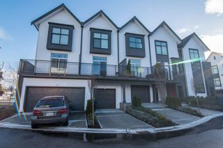 Photo 1: 34 17555 57A Avenue in Surrey: Cloverdale BC Townhouse for sale (Cloverdale)  : MLS®# R2361802