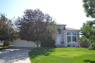 Photo 1: 61 Litchfield Boulevard in Winnipeg: Residential for sale (1E)  : MLS®# 202010676