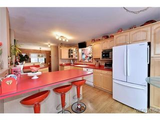 Photo 7: 3435 Karger Terr in VICTORIA: Co Triangle House for sale (Colwood)  : MLS®# 722462