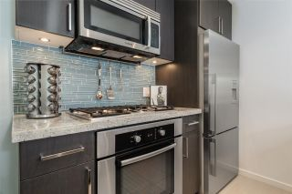 """Photo 11: 1104 89 W 2ND Avenue in Vancouver: False Creek Condo for sale in """"PINNACLE LIVING FALSE CREEK"""" (Vancouver West)  : MLS®# R2250974"""