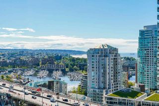 """Photo 7: 2306 550 PACIFIC Street in Vancouver: Yaletown Condo for sale in """"AQUA AT THE PARK"""" (Vancouver West)  : MLS®# R2580725"""