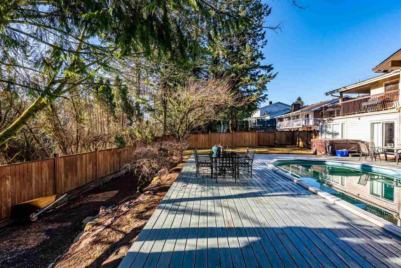 Photo 39: Photos: 2584 SUNNYSIDE Crescent in Abbotsford: Abbotsford West House for sale : MLS®# R2551772