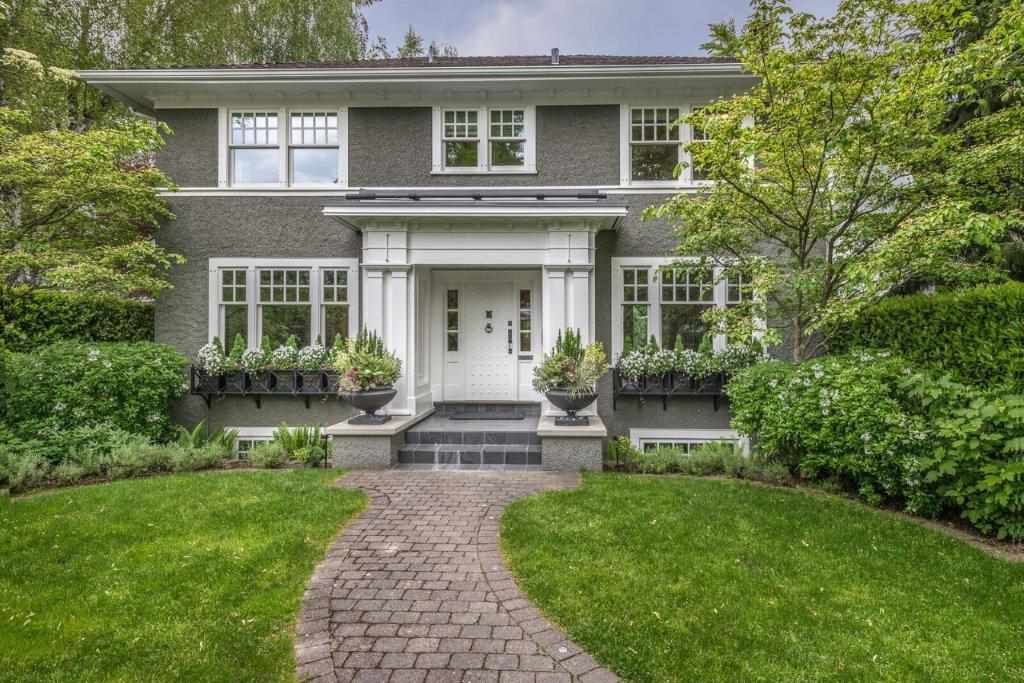 Main Photo: 3893 W 14TH Avenue in Vancouver: Point Grey House for sale (Vancouver West)  : MLS®# R2270836