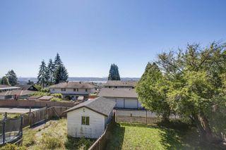 Photo 19: 1016 ROCHESTER Avenue in Coquitlam: Maillardville 1/2 Duplex for sale : MLS®# R2452037