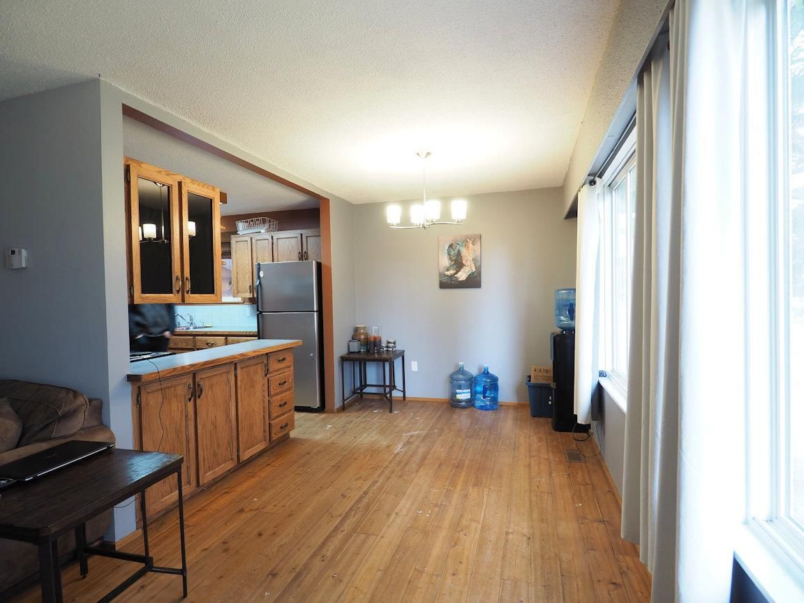 Photo 11: Photos: 6496 GREY Crescent in 100 Mile House: Horse Lake House for sale (100 Mile House (Zone 10))  : MLS®# R2418657