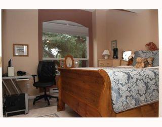 """Photo 9: 29 1100 56TH Street in Tsawwassen: Tsawwassen East Townhouse for sale in """"ROYAL OAKS"""" : MLS®# V794541"""