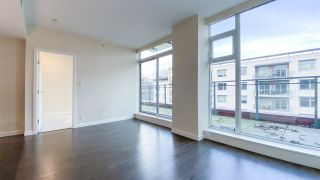 "Photo 4: 615 38 W 1ST Avenue in Vancouver: False Creek Condo for sale in ""The One"" (Vancouver West)  : MLS®# R2527576"