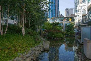 "Photo 2: 803 590 NICOLA Street in Vancouver: Coal Harbour Condo for sale in ""CASCINA"" (Vancouver West)  : MLS®# R2045601"