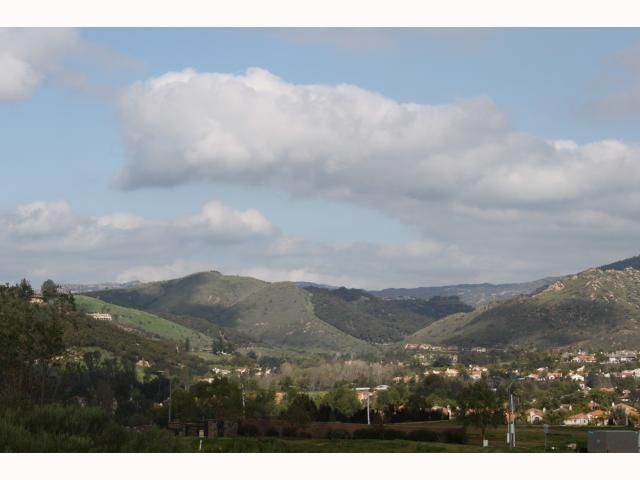 Photo 10: Photos: EAST ESCONDIDO House for sale : 5 bedrooms : 2797 Vistamonte in Escondido