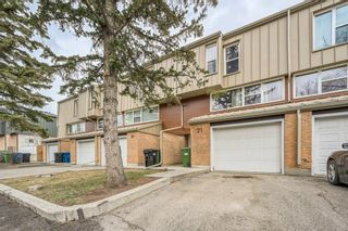 Main Photo: 21 Brae Glen Court SW in Calgary: Braeside Row/Townhouse for sale : MLS®# A1093822
