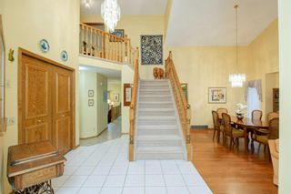 Photo 2: 88 Strathdale Close SW in Calgary: Strathcona Park Detached for sale : MLS®# A1116275