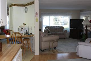 "Photo 3: 12 4426 232 Street in Langley: Salmon River Manufactured Home for sale in ""Westfield Courts"" : MLS®# R2530457"