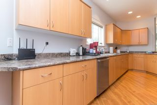 Photo 14: 102 951 Goldstream Ave in : La Langford Proper Row/Townhouse for sale (Langford)  : MLS®# 886212