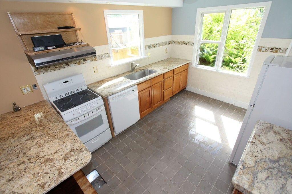 Photo 4: Photos: 1088 Sherburn Street in Winnipeg: West End Single Family Detached for sale (West Winnipeg)  : MLS®# 1414577