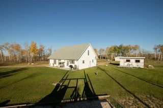 Photo 4: 62121 HWY 12 Road E in Anola: House for sale : MLS®# 202124908