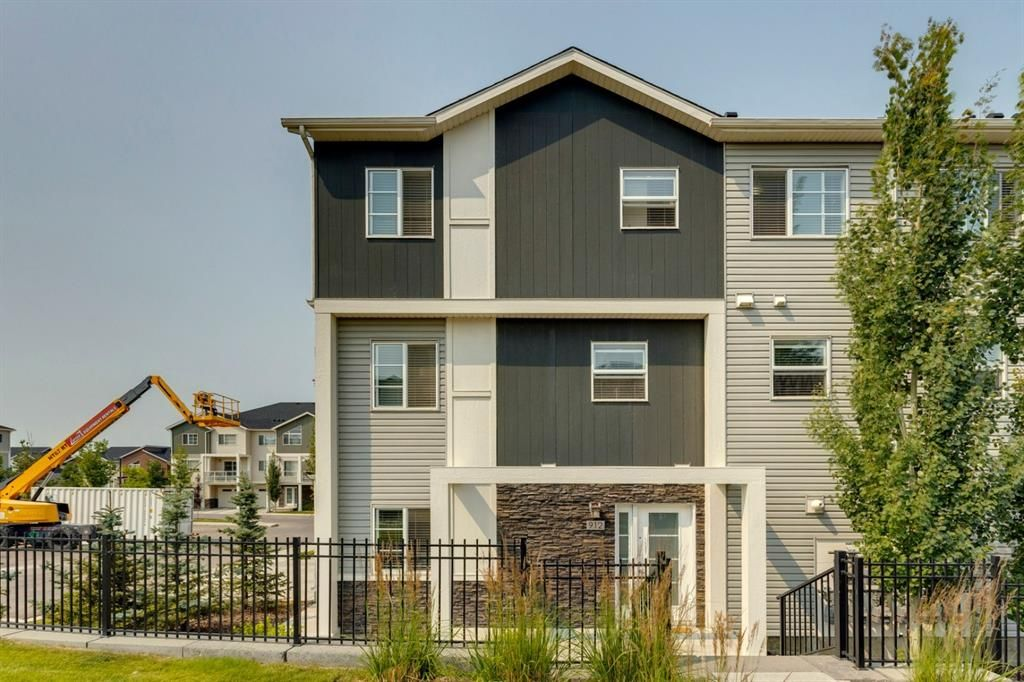 Main Photo: 912 Redstone View NE in Calgary: Redstone Row/Townhouse for sale : MLS®# A1136349
