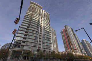 """Main Photo: 1106 161 W GEORGIA Street in Vancouver: Downtown VW Condo for sale in """"Cosmo"""" (Vancouver West)  : MLS®# R2618756"""
